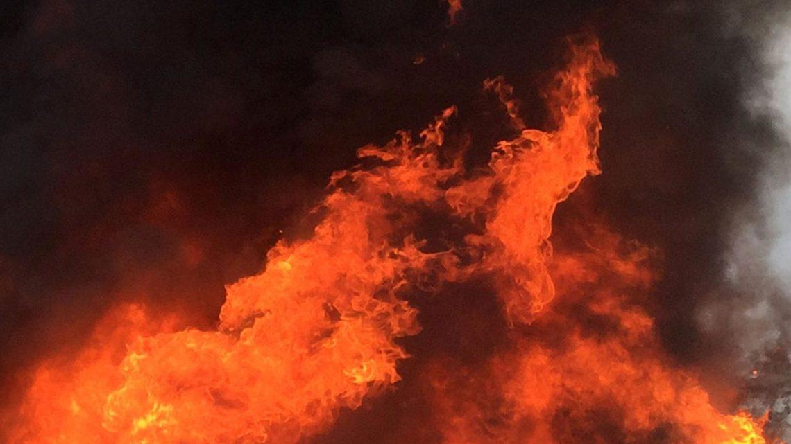 Два человека скончались после пожара в Лодейнопольском районе Ленинградской области